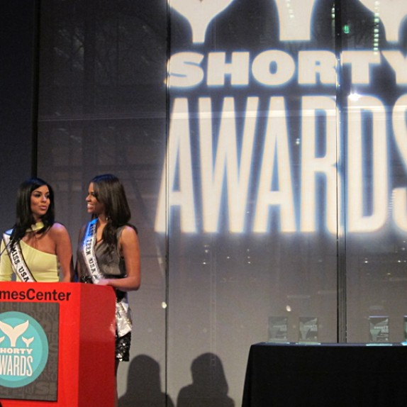 WALLS 360: @ShortyAwards and @Pepsico Wall Graphics!