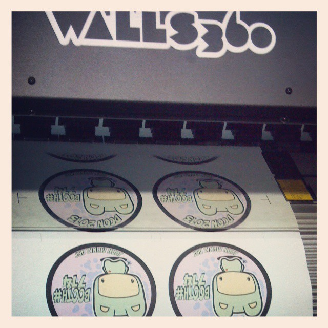 Custom Walls360 Graphics for Juan Muniz at DesignerCon 2013!